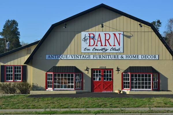 The Barn On Country Club